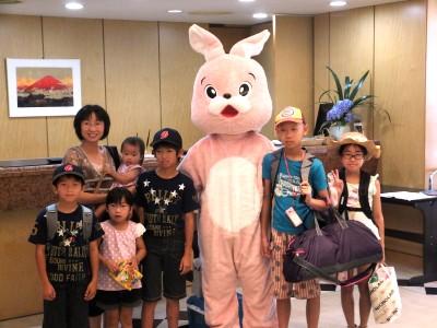 ウサギと記念撮影.jpg