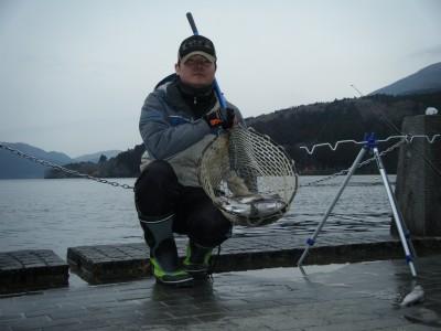 芦ノ湖ニジマス2012.jpg